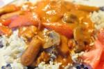 Kyllingeschnitzler med bacon, champignon og salsa flødesauce i Römertopf