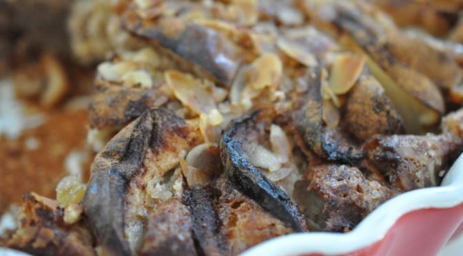 Lækker og nem æblekage med kanel og mandelflager