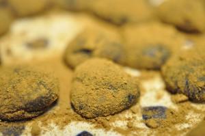 Nemme flødekarameller med lakrids i mikrobølgeovn