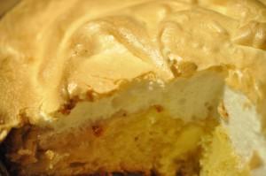 Lækker bedstefars skæg kage med æbler og marengs