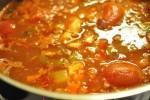 Lækker gullashsuppe med hakket oksekød, bacon og peberfrugt