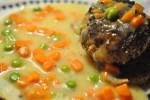 Karbonader, og stuvede ærter og gulerødder