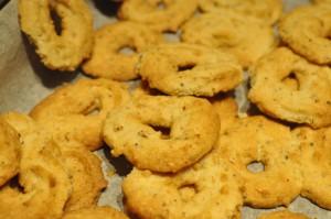 Sprøde vaniljekranse med hasselnødder og appelsin