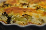Broccolitærte og tærte med løg og bacon af grov tærtedej