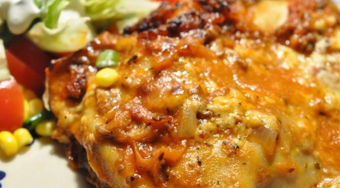 Hjemmelavet lasagne fra bunden med rødvin og bechamelsauce