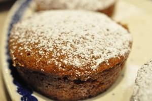Lækre muffins med krydderi og tyttebærsyltetøj