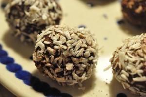 Romkugler med havregryn og vaniljeskyr - af kagerest