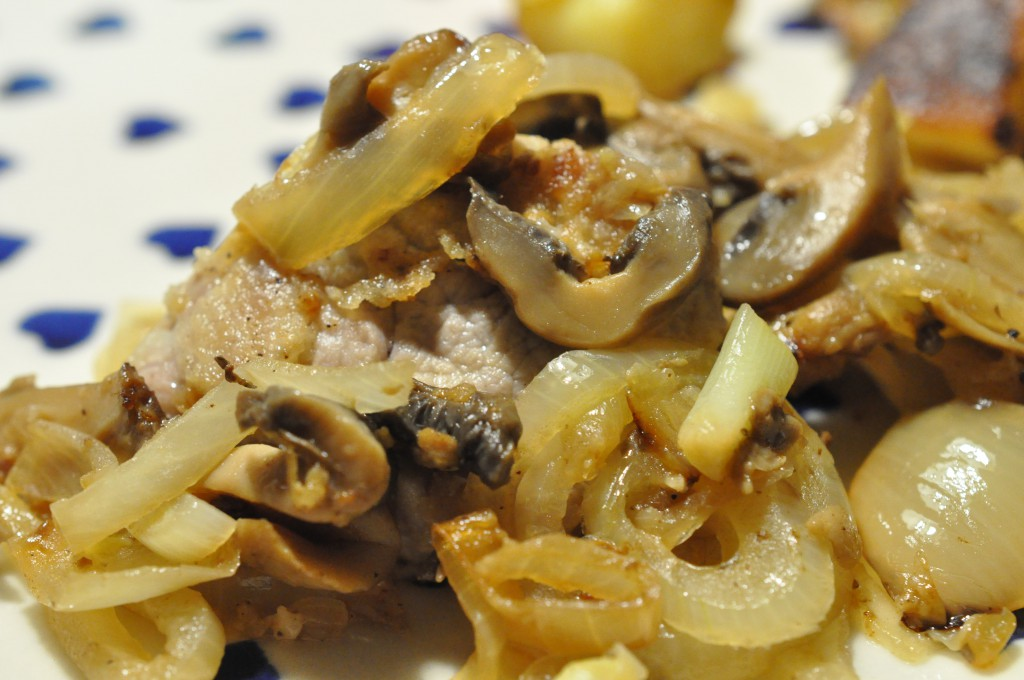 Mørbradbøffer med champignon og bløde løg