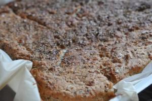 Nemt madbrød med havregryn, Manitobamel og oregano