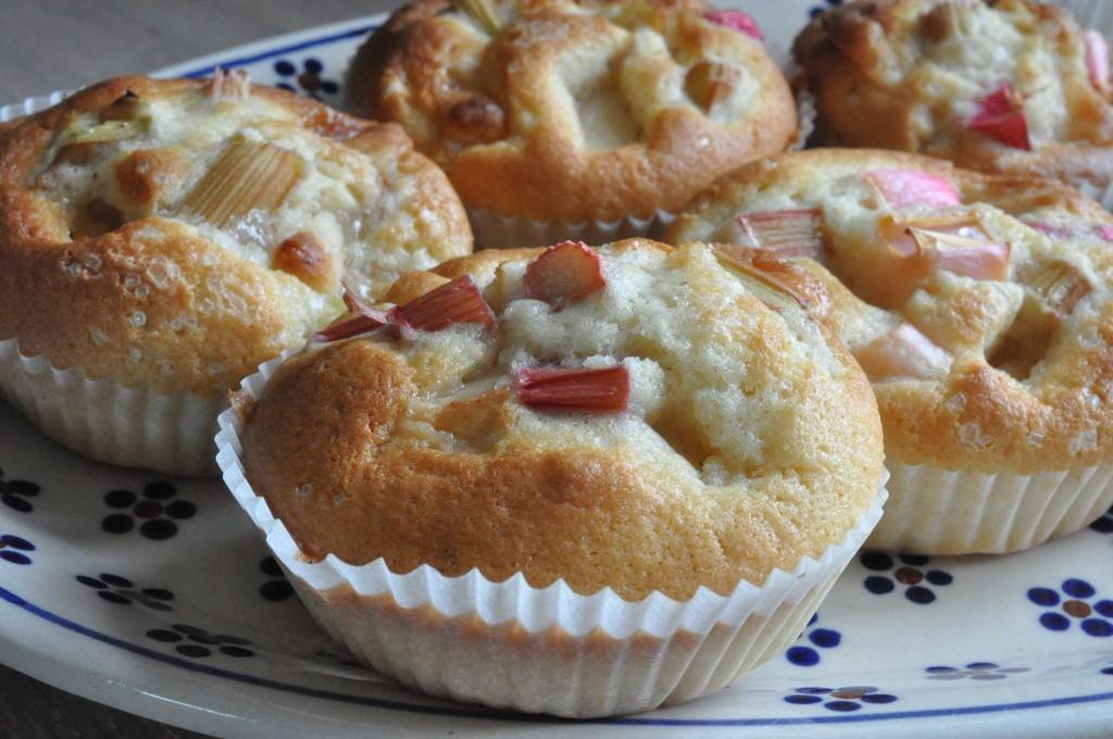 Rabarbermuffins med marcipan - nem opskrift