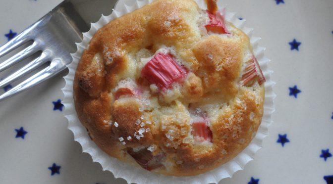 Nemme og smukke rabarbermuffins med marcipan
