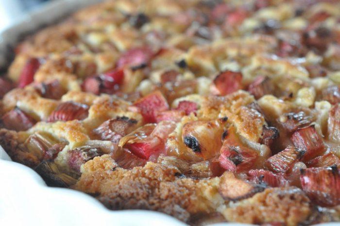 Rabarber - opskrifter på kager og desserter