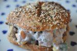 Nem og lækker tunsalat med majs, forårsløg og peberfrugt