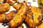 Krydrede pommes frites med tacosauce og rasp