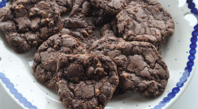 Cookies med chokolade og hasselnødder – sprøde og nemme