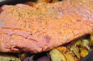 Culottesteg på sprødt kartoffelfad med rødløg og timian