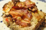 Farsbrød med feta, peberfrugt og bacon