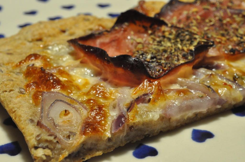 Pizza af koldthævet dej - nemt og hurtigt