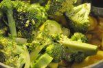 Kartoffelsuppe med broccoli og suppebrød med hvidløgssmør