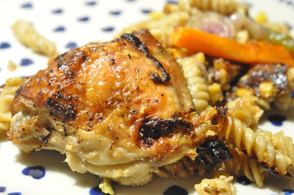 One pot pasta med kylling, fløde, gulerødder og peberfrugt