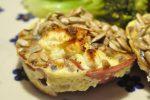 Muffins med æg, skinke, spinat og feta