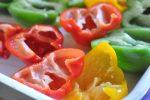 Fyldte peberfrugter med oksekød, majs og gulerødder