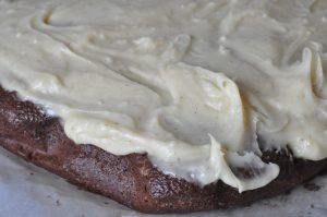 Chokoladekage med smørcreme - nem, lækker og svampet