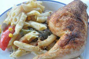 One pot chicken - kylling med pasta fløde og grønt i et fad