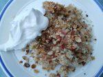 Rabarbercrumble med havregryn og marcipan – nem og lækker