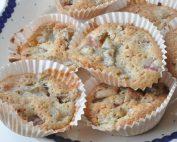 Makronmuffins med rabarber  muffins opskrift