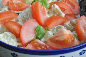 Kold Kartoffelsalat Med Karry Sennep Og Græsk Yoghurt Noget I Ovnen