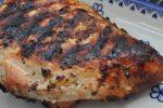 Grillet kalkunbryst med hvidløg, citron og timian marinade