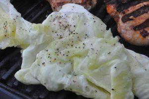 Grillet spidskål med citron - lækkert grillet grønt