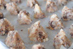 Kokosmakroner med chokolade, smør og vanilje - nemme og lækre