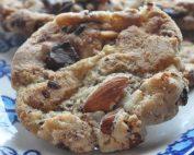 Cookies med chokolade og mandler - opskrift