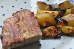 Farsbrød med cheddar, bacon og løg og ovnstegte kartofler