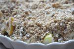 Pærecrumble med havregryn og solsikkekerner - grov og lækker