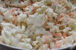 Coleslaw med hvidkål, gulerødder og skyr - nem og fedtfattig
