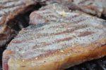 T-bone steaks på grill – en fornem grillmenu