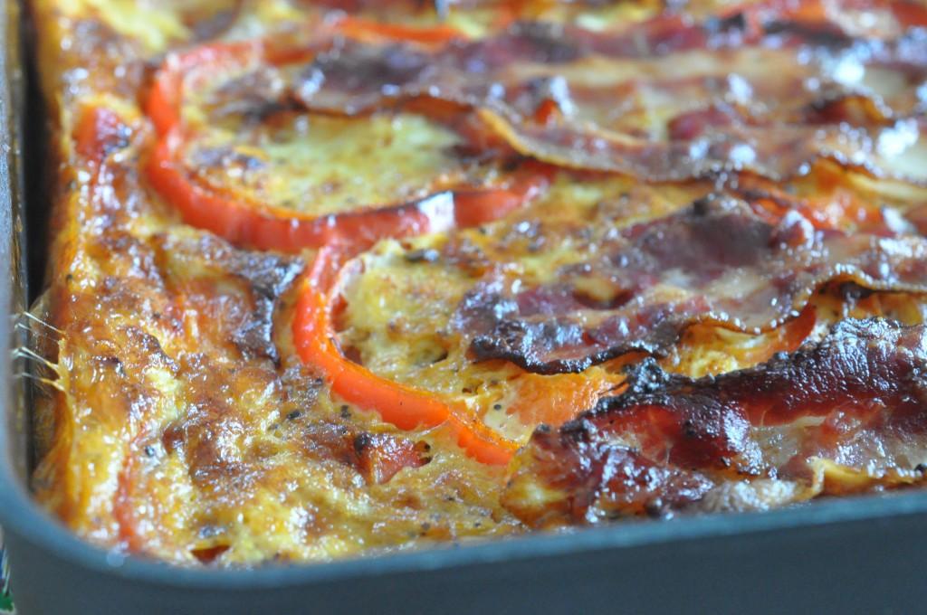 Frittata - italiensk ovnbagt æggekage med tomater og bacon