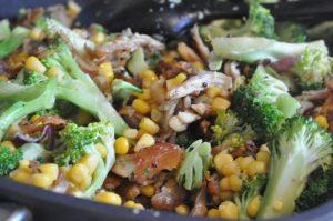 Pastaret med kylling, bacon, broccoli og fløde - nem og lækker