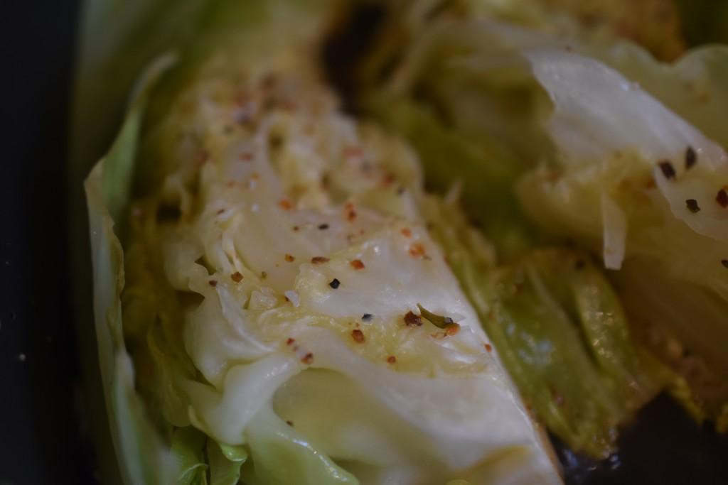 Smørdampet spidskål med timian og citron