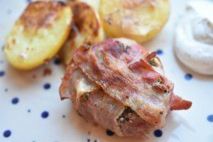 Kalve lårtunge steaks med hvidløgssmør og bacon