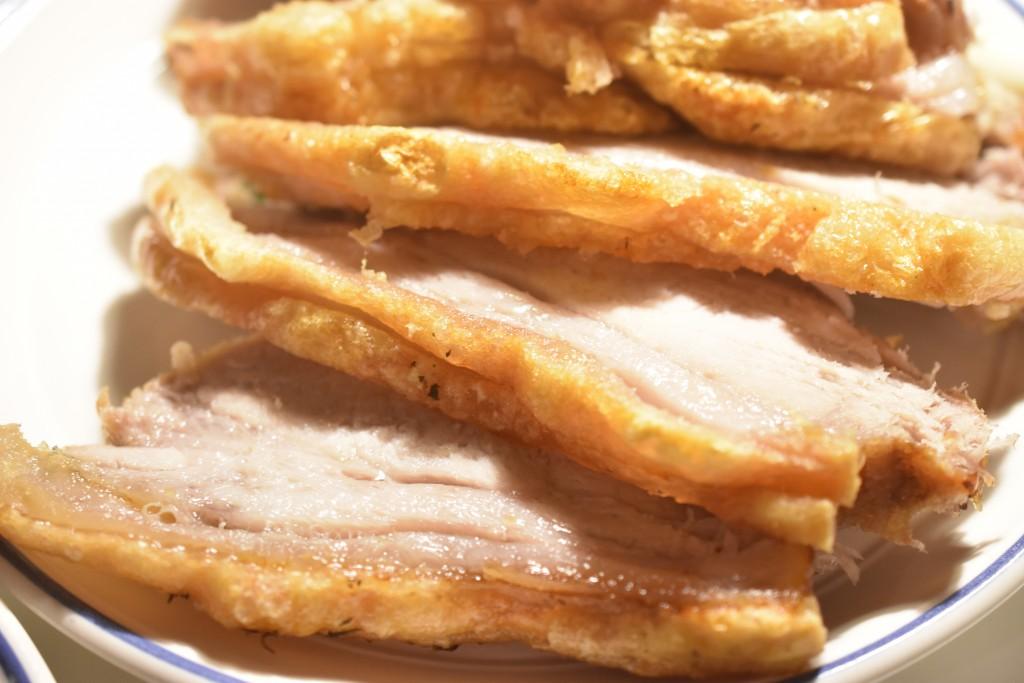Flæskesteg med bagte rodfrugter