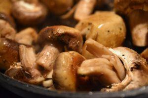 Champignon - ristet i smør og hvidløg - SÅ lækre