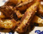 Sprød kylling med rasp og paprika og sprøde pommes frites