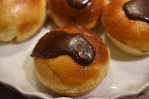 Fastelavnsboller med vaniljecreme - bløde og lækre