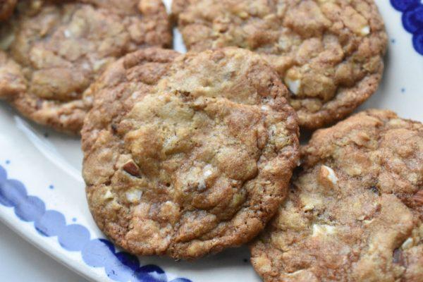 Cookies med lakrids, mandler og hvid chokolade - SÅ lækre