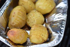 Hasselback kartofler på grill - sprøde og lækre