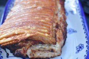 Flæskesteg på grill - sprød, saftig og lækker